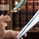 W wielu przypadkach ludzie potrzebują pomocy prawnika.